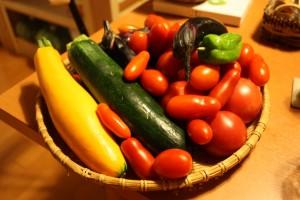 先日も、こんなにきれいな野菜を頂きました。